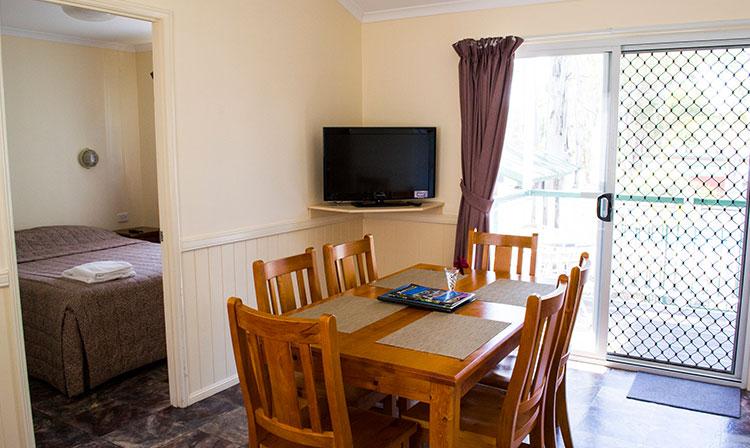 Kahlers Oasis Caravan Park 2 Bedroom Holiday Unit dining HERO