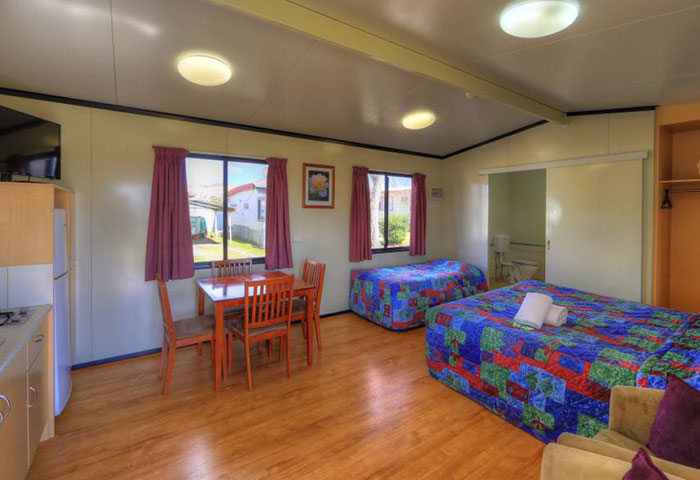 BIG4 Toowomba Cottage 3 Berth Disability Assist Living Area