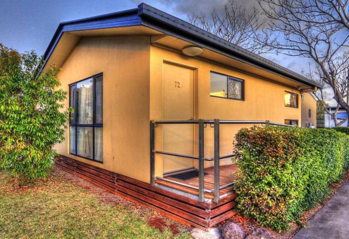 BIG4 Toowoomba 1 Bedroom 6 Berth Cabin Disability Assist Exterior