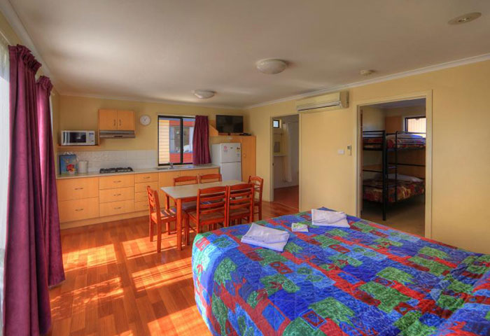BIG4 Toowoomba 1 Bedroom 6 Berth Cabin Disability Assist Interior