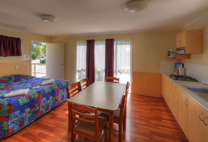 BIG4 Toowoomba 1 Bedroom 6 Berth Cabin Disability Assist Kitchen Dining