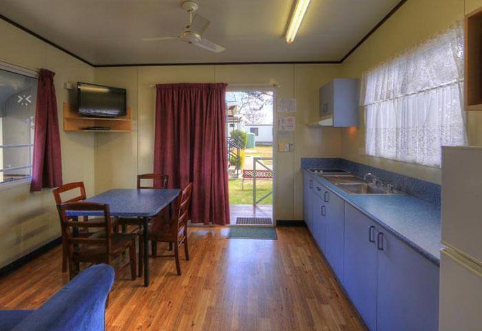 BIG4 Toowoomba 2 Bedroom 4 Berth Kitchen