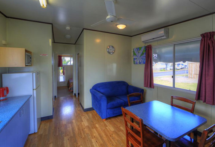 BIG4 Toowoomba 2 Bedroom 4 Berth Living Dining