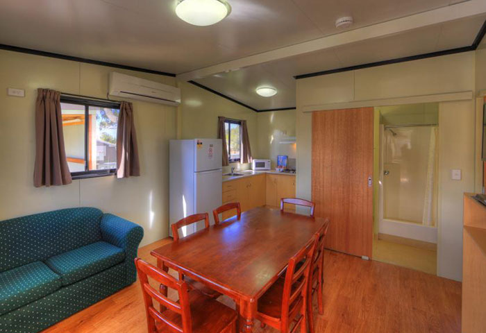 BIG4 Toowoomba 2 Bedroom 6 Berth lounge