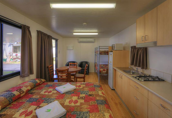 BIG4 Toowoomba Cottage 4 Berth Open Plan