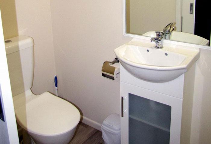 BIG4 Toowoomba Ensuite Cabin 2 Berth Bathroom