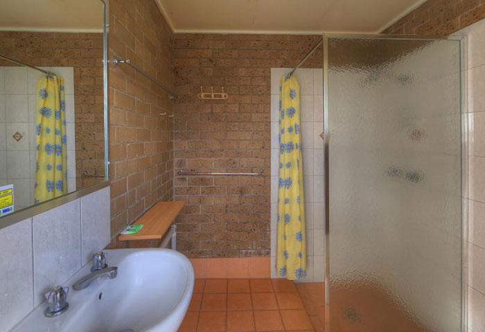 BIG4 Toowoomba Ensuite Powered Sites Bathroom