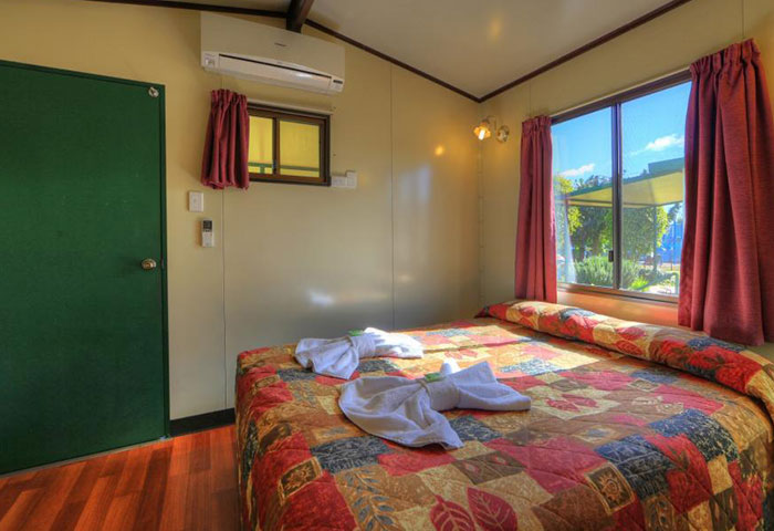 BIG4 Toowoomba Garden City 1 Bedroom 4 Berth Cabin Bedroom